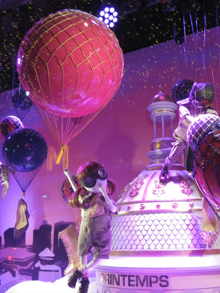 Le Printemps window display. Photo by Caroline Banks